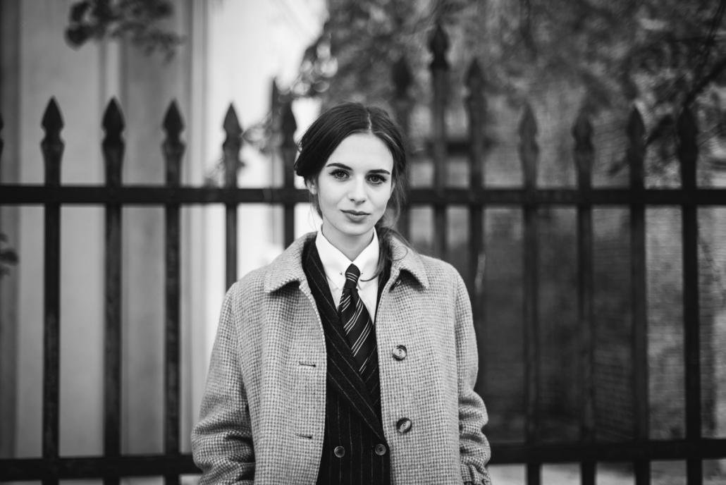 kobieta w krawacie Karolina Maras