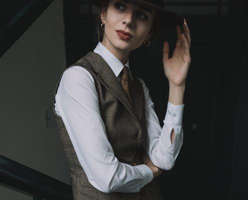 damski garnitur w kratkę Karolina Maras