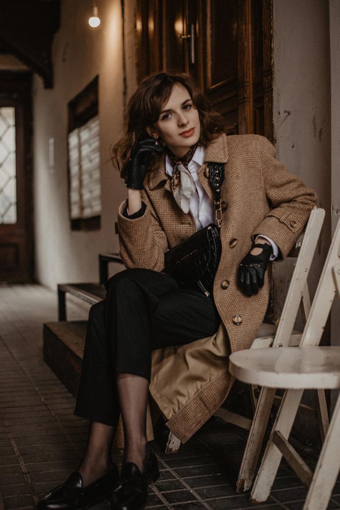 beżowy płaszcz na wiosnę, Karolina Maras