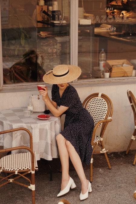 sukienka granatowa madelle, Karolina Maras